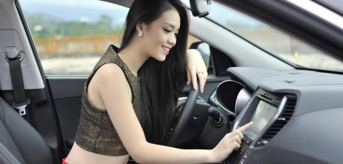 model-santafe-tay-bac-22-1426784147
